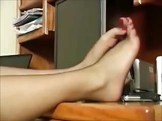 Teen computer workstation desk orange - Delicious pantyhosed feet on computer desk