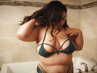 Wife controls husbands orgasm - Fat wife gets multiple orgasms by her husband