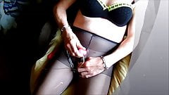 quick cumshot in pantyhose