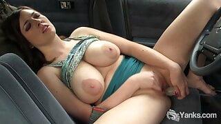Cutie Yanks Girl Amber Alias Masturbating