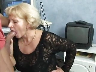 Fuck guy muscle Horny granny gets fucked by a muscled guy