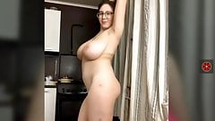 Super sexy nerdy webcan girl with big tits