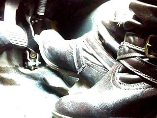 Proco vintage rat pedal Pedal pumping and cranking in my boots close up angle teaser