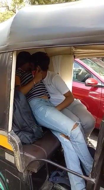 Indian girl outdoor sex in car