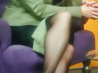 Mature lady wearing seam stockings Milf wear stockings with seams upskirt