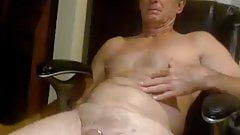 560. daddy cum for cam