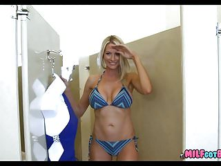 Fit mom fuck Fit blonde milf in the changing room