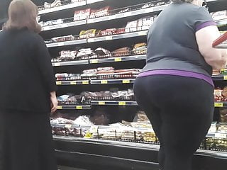 Women with mega big ass Bbw pawg granny with mega juicy booty in tights pt 2