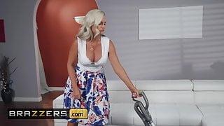 Mommy Got Boobs - Alena Croft Ricky Johnson - Mommy's Busy