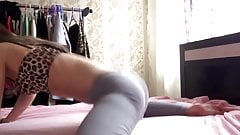 super sexy dance in leggings