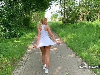cogiendo en el bosque zorra de vestido sin tanga