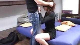 Arab nympho se fait baiser par un inconnu !! French amateur