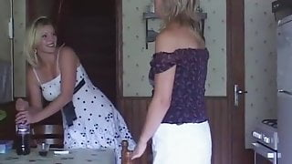 Fremch Lesbian Milfs
