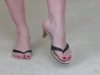 Cuties fetish foot Cutie sniffs licks her toe-prints in flip-flops...