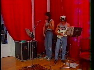 Vintage radio general electric piano Lezione di piano 1997 angelica bella