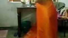 Malayali hot aunty changing saree