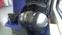 Spermawalk in der S-Bahn