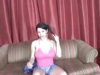 Vagina shot paris hilton Hilton la vega, hermosa morenita muy cachonda