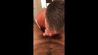 handsome daddy likes raw dick