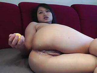 Expelling air from vagina Asiatica enfia bolas de bilhar no cu e as expele
