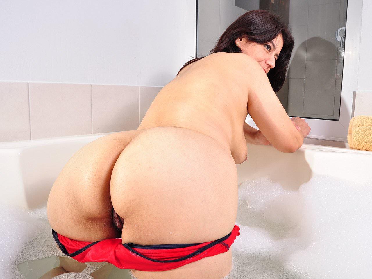 Anabel Latina Porno Española latina milf anabella needs a relaxing bath: free hd porn 4c
