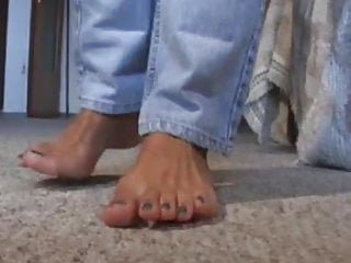 Sexy feet in mules Mature feet in mules 3