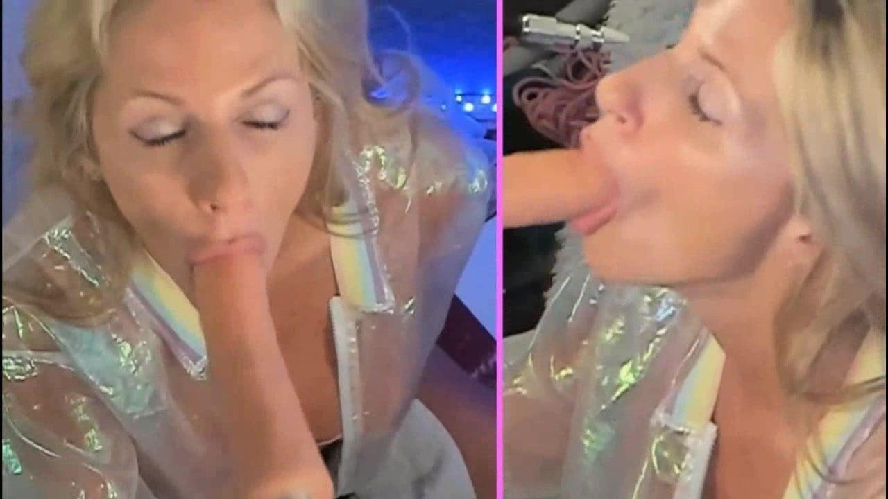 Blonde Webcam Dildo Machine