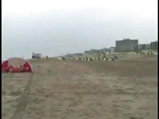 Only post-op trannies Chick wordt opgepikt op het strand