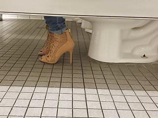 Sexy ga people games - Gas station toilet voyeur iii sexy brunette chick in heels