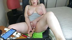 Mature with big tits masturbates her cunt with a dildo