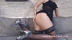 Striptease Mini Kleidchen, Higheels und Nylons