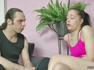 Tg slut Stief-schwester laesst sich von ihm ficken fuer etwas tg