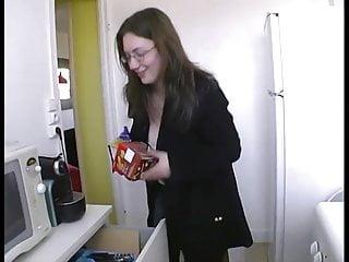 Sasuke gay se - Elle se fait bien enculer dans la cuisine par surprise