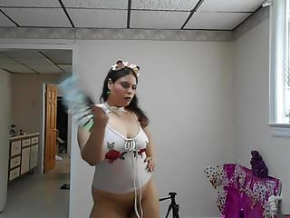 Peurto rican pornstars Ginger paris dancing and refreshing while getting horny