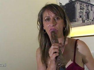 Kinky girls sex picturest Kinky mom carmen loves playing with her toys