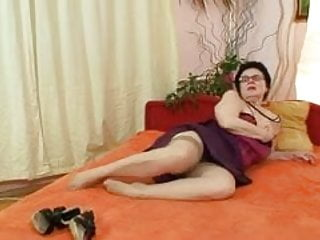 Grandmas showimg pussies - Old grandma with glasses fingering hairy pussy