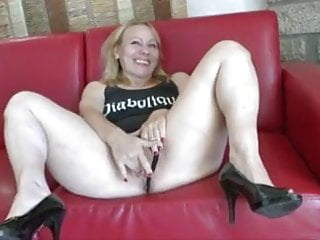 Do all women like sex - Milf doing all sorts of things