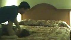 Грязную сучку застукали перед камерой, изменяя мужу