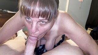 Mature cougar sucking cub dry and showing cum in mouth
