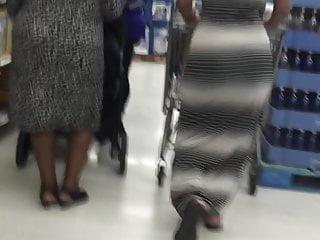 Sexy mom in dress - Bubble booty ebony in dress