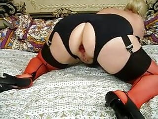 Girdle in mature Pushunas plugged asshole in crotchless girdle