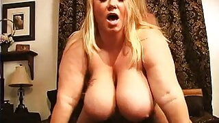 Titty fuck dick suck  Samantha 38G