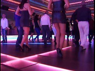 Sexy latex leg ass - Sexy dancing legs