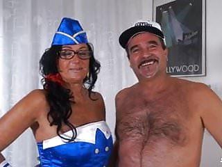Italian interracial Scambisti maturi - italian swinger in interracial dp orgy