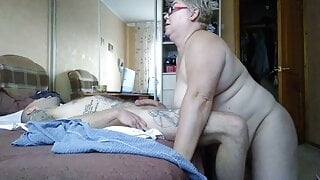 She helped me cum by jerking off my cock in the room