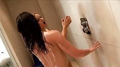 ShowerElleJools