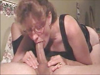 Mom grandma cum swap - Hot grandma giving a deepthroat to a big cock and get cum in
