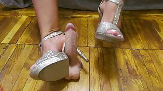 Mix of footfetish from Hot Milf in stokinghs and hight heels