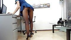 kathy gray in pantyhose and heels teasing with upskirt