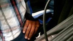 Touch tocando pierna en el Metro